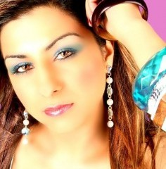 Hard Kaur kicks of 2010 in style at top New Year's bhangra party