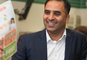 Interview: Tej Randeva CEO of Spice 2 Go Spills All About Dragons' Den Experience